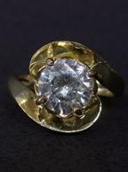 Anel Folheado a Ouro com Pedra de Zirconia